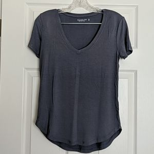 Abercrombie & Fitch Blue V-neck T-shirt XS